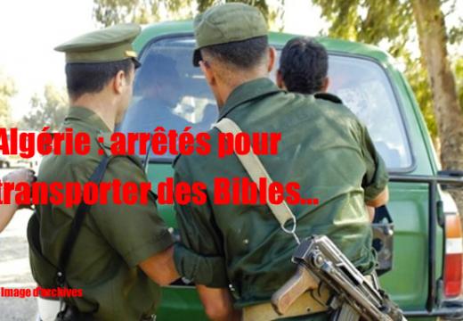 Algérie : deux jeunes, transportant des Bibles, arrêtés