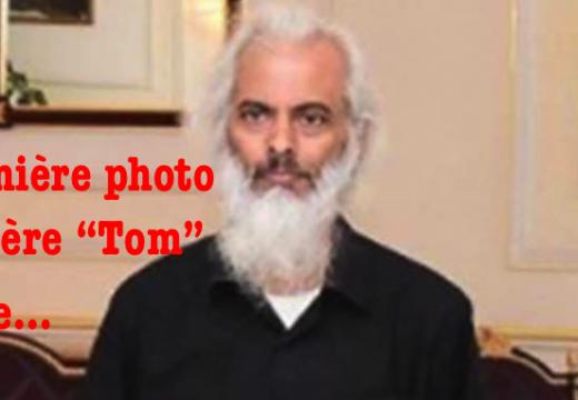 """La première photo du Père """"Tom"""" libre…"""