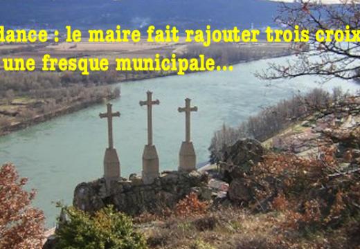 Andance : le maire fait rajouter des croix sur une fresque municipale