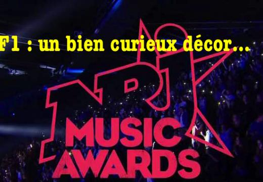 NRJ Music Awards : un bien étrange décor pour le groupe Indochine…