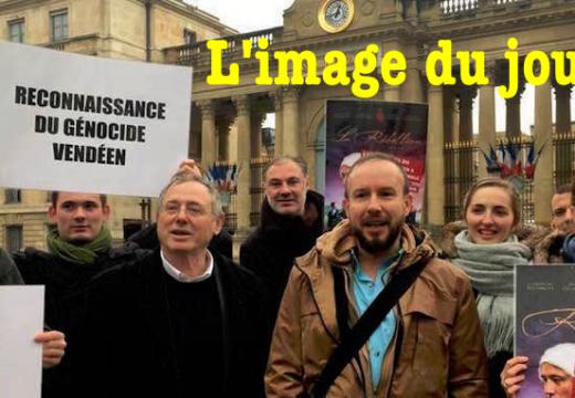 """La photo du jour : """"La Rébellion cachée"""" projetée à l'Assemblée nationale"""