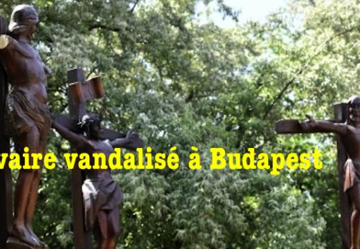Un calvaire vandalisé à Budapest