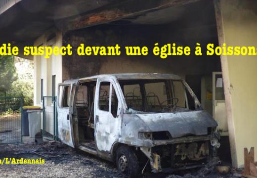 Incendie suspect dans la cour d'une église à Soissons